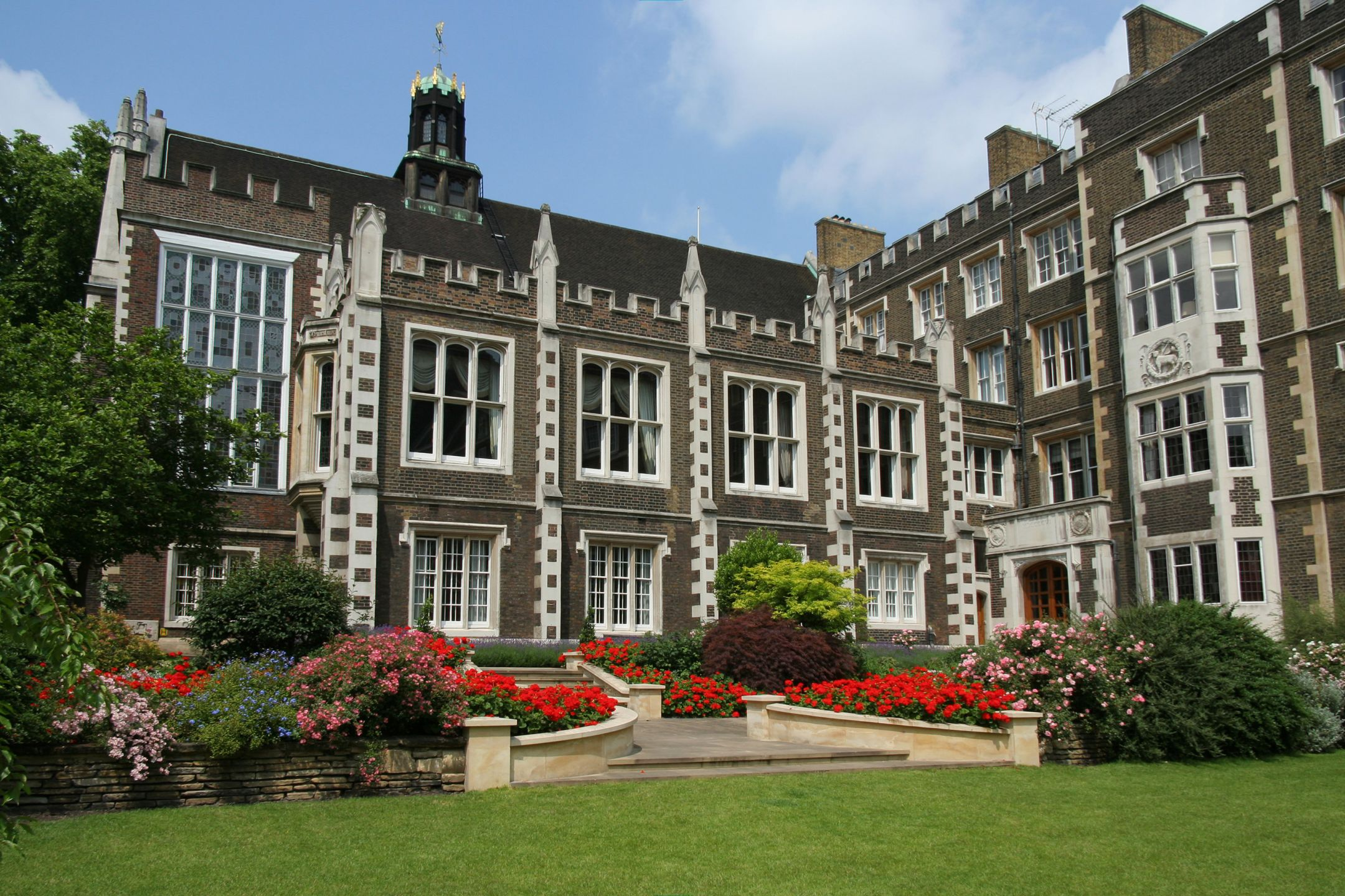 English in britain boarding schools in the london area for London school of english